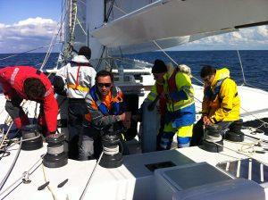 Tour de Belle Ile en course à bord d'un maxi catamaran